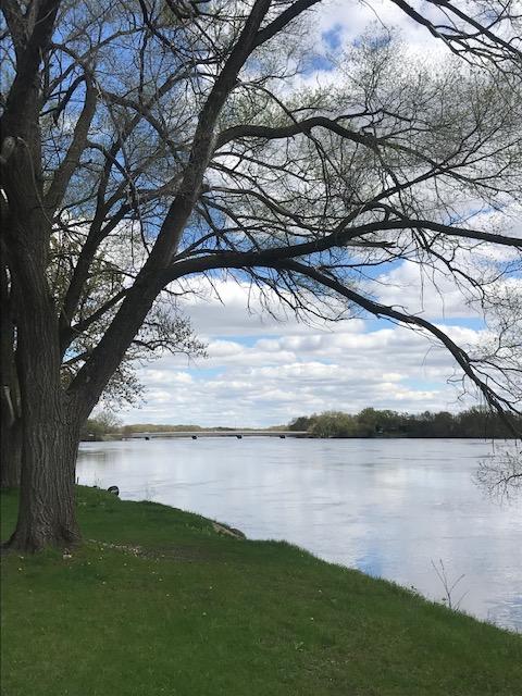 Madison/Wisconsin Dells/Portage riverfront – Appleton Corporate Housing